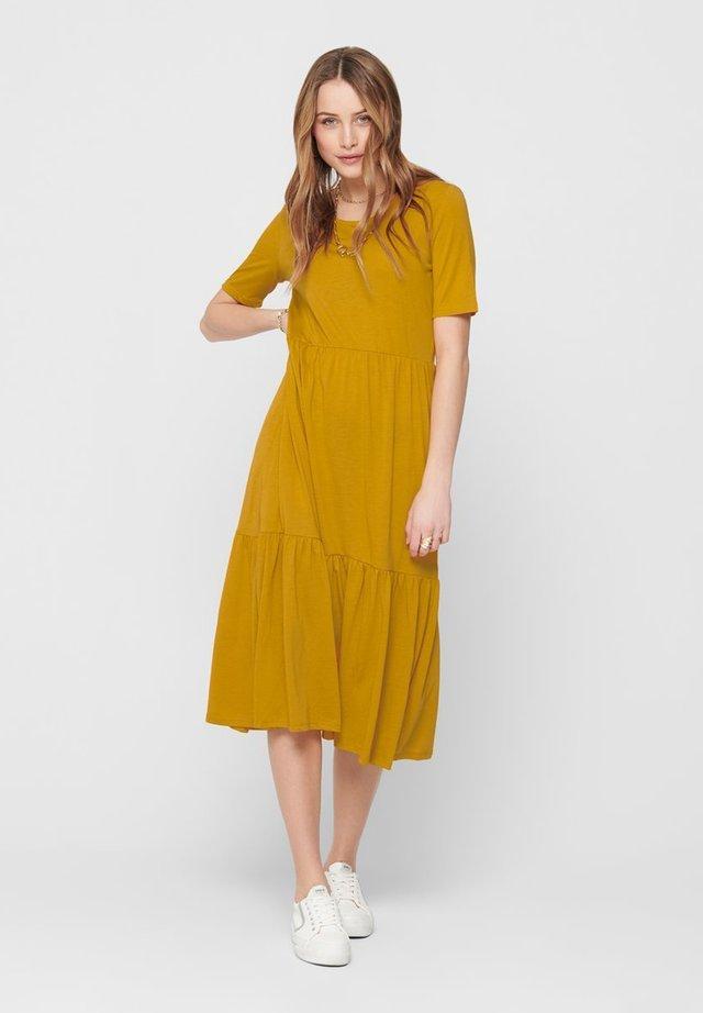 JDYDALILA FROSTY DRESS - Maxikjoler - golden yellow