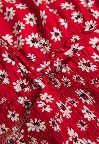 JDY - JDYSTARR LIFE STRAP SMOCK DRESS - Vardagsklänning - valiant poppy/black/ bright white - 3