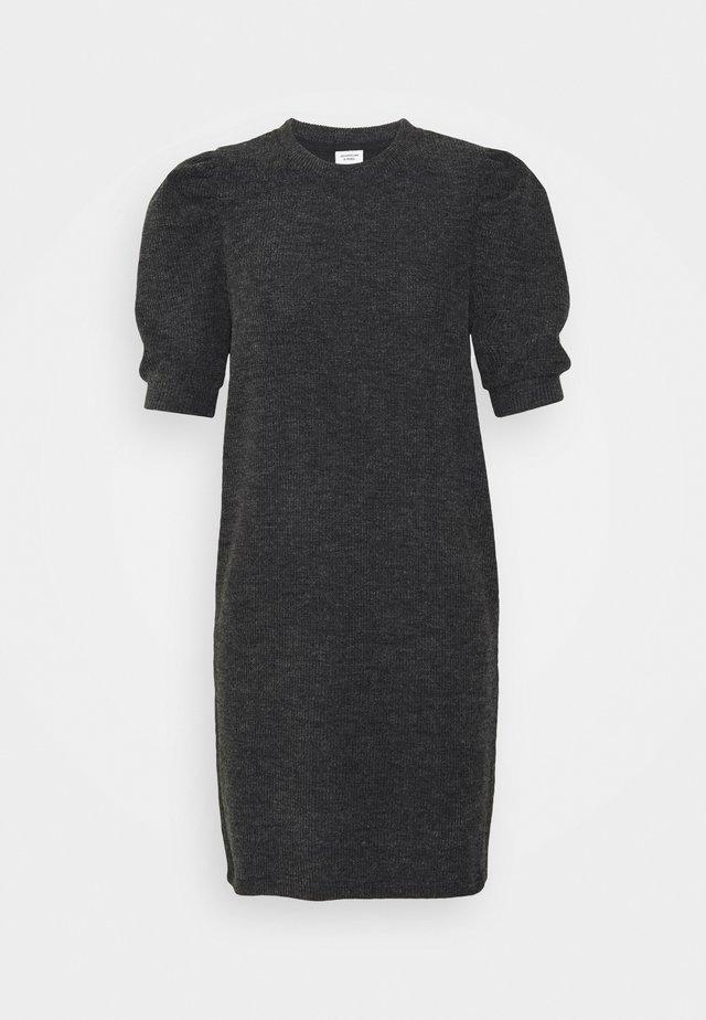 JDYAMAZA DRESS ABOVE KNEE - Strikket kjole - dark grey melange