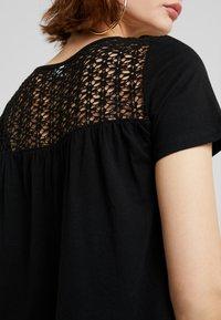 JDY - JDYCELINA TOP CROCHET - Print T-shirt - black - 4