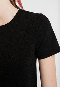 JDY - Camiseta estampada - black/black - 5