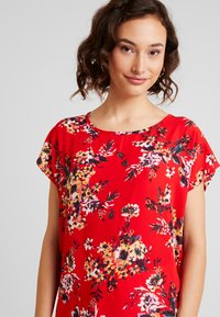 JDY - JDYWIN TREATS NECK - Blouse - goji berry - 4