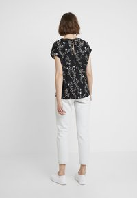 JDY - JDYWIN TREATS NECK - Blouse - black