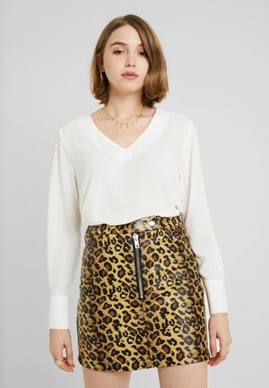 JDYNYOMI BLOUSE - Bluser - cloud dancer