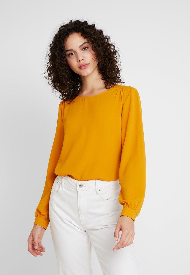 JDYOLIVER  - Langærmede T-shirts - inca gold