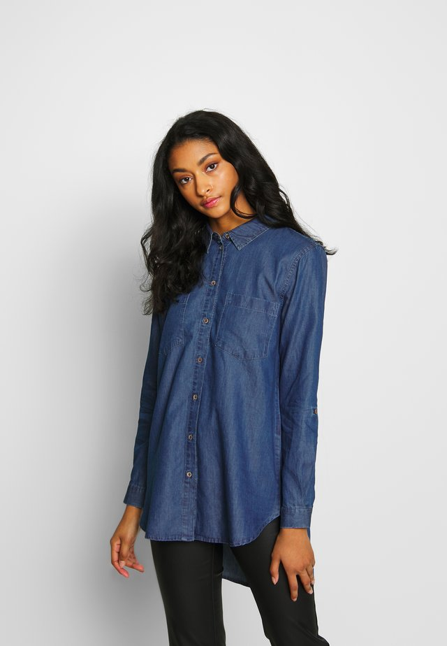 JDYROGER  - Button-down blouse - medium blue denim
