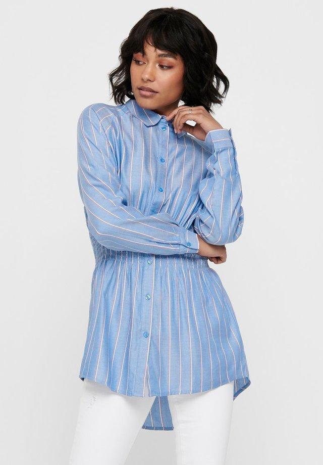 GESMOKTE TAILLEN - Button-down blouse - cashmere blue