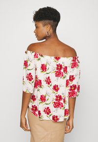 JDY - JDYSTARR LIFE 3/4 OFFSHOULDER - Blouse - shell/barbados cherry big flower - 2