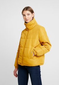 JDY - JDYFLEUR PADDED JACKET - Lehká bunda - harvest gold - 0