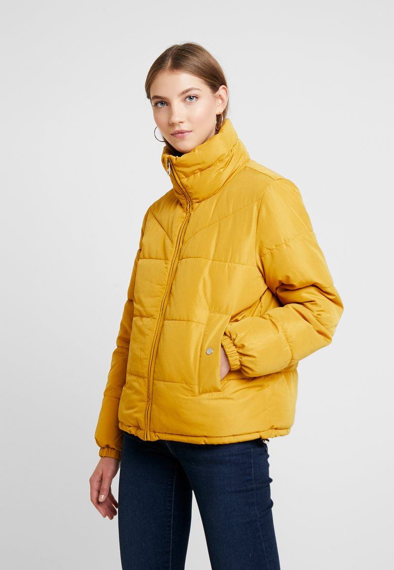 JDY - JDYFLEUR PADDED JACKET - Lehká bunda - harvest gold