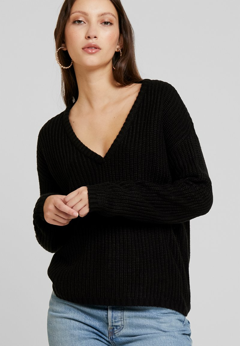 JDY - JDYPEGGY TREATS V-NECK  - Jumper - black