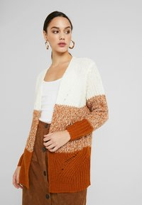 JDY - JDYMAX CARDIGAN - Svetr - cloud dancer/sugar almond gradin - 3