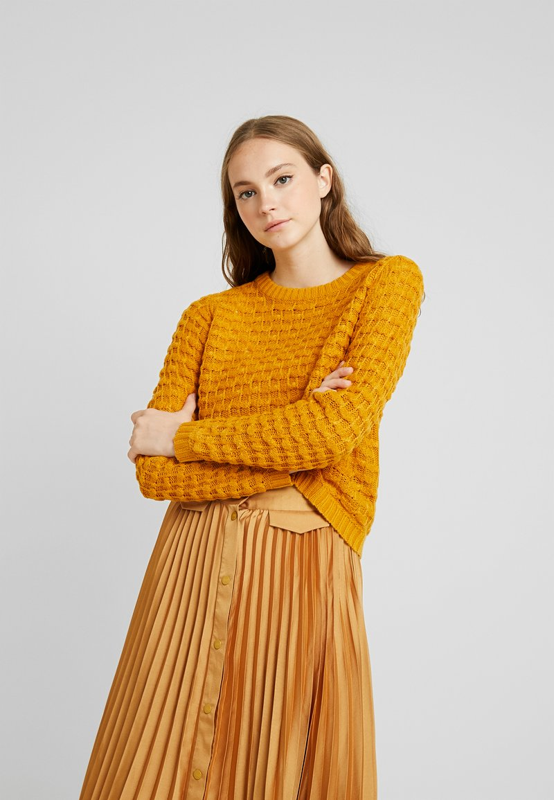 JDY - Pullover - inca gold