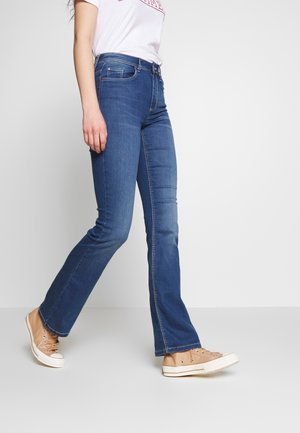 JDYNIKKI - Vaqueros a campana - medium blue denim