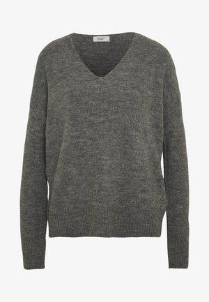 JDYTEA TREATS V-NECK - Jersey de punto - dark grey melange