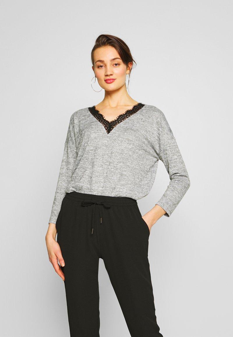 JDY - JDYCHOICE TREATS V-NECK - Jersey de punto - light grey melange/black