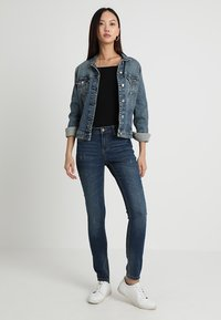JDY - JDYMAGIC - Jeans Skinny Fit - medium blue denim - 1