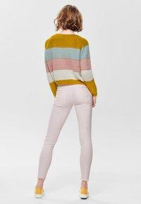 JDY - NEW FIVE REG ANKLE - Jeans Skinny Fit - shrinking violet - 2