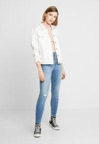 JDY - JDYJONA HIGH FLY - Jeans Skinny Fit - light blue denim - 1