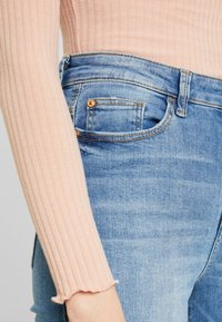 JDY - JDYJONA HIGH FLY - Jeans Skinny Fit - light blue denim - 3