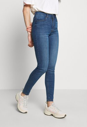 JDYPOLLI HIGH SUPER - Jeansy Skinny Fit - medium blue denim