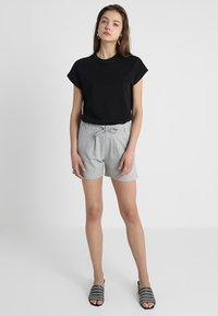 JDY - JDYPRETTY - Shorts - light grey - 1