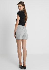 JDY - JDYPRETTY - Shorts - light grey - 2