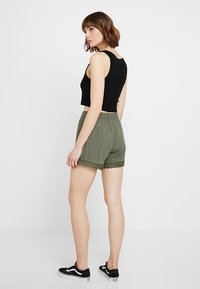 JDY - Shorts - thyme - 2