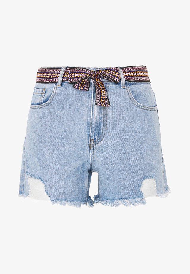JDYGAME LIFE BELT MIX - Denim shorts - light-blue denim