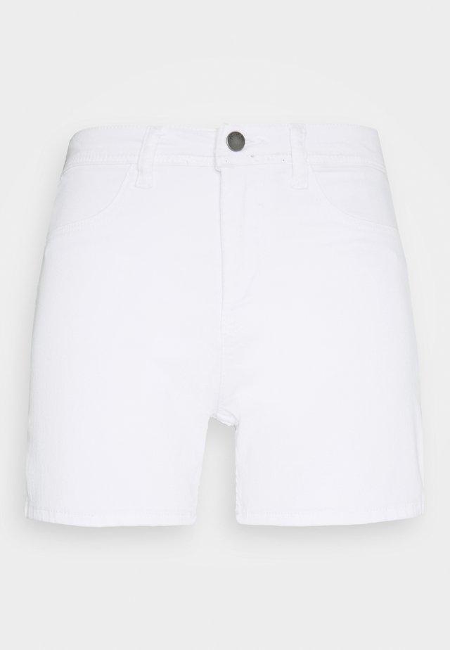 JDYNIKKI TREATS MIX - Denim shorts - white