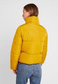 JDY - Zimní bunda - harvest gold - 2