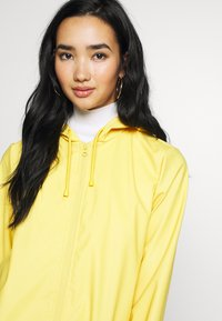 JDY - JDYKENDRA RAINCOAT - Parka - misted yellow - 3