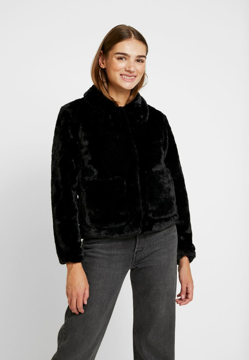 JDY - Zimní bunda - black