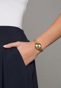 Komono - THE MONEYPENNY ROYALE - Watch - gold - 0