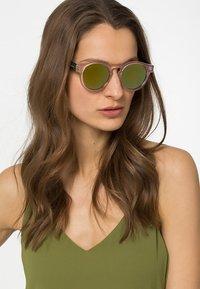 Komono - CLEMENT - Sunglasses - pearl/tortoise - 0