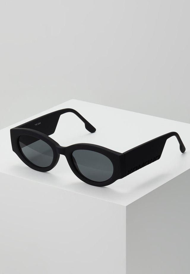 DREW - Solglasögon - carbon