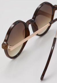 Komono - MADISON  - Sonnenbrille - tortoise/rose gold-coloured - 2