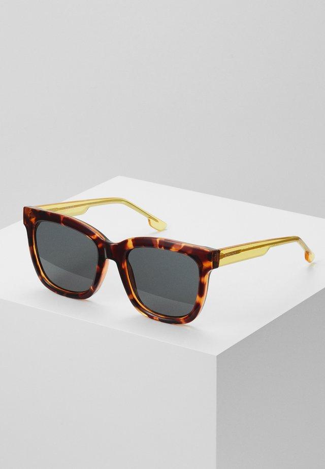 SUE - Okulary przeciwsłoneczne - havana