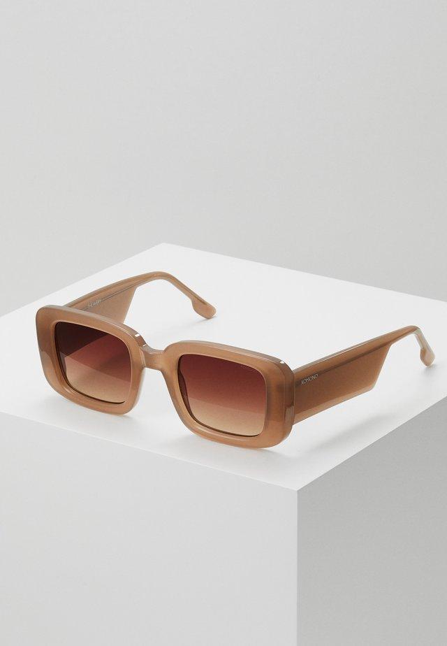 AVERY - Okulary przeciwsłoneczne - sahara