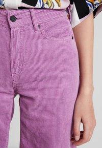 Kings Of Indigo - JANE - Spodnie materiałowe - lilac - 4