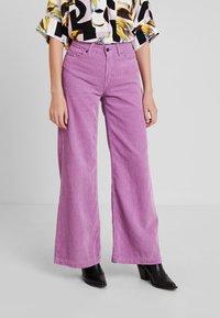Kings Of Indigo - JANE - Spodnie materiałowe - lilac - 0