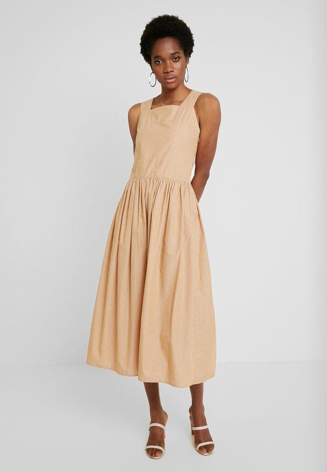 XENA - Denní šaty - fine sun