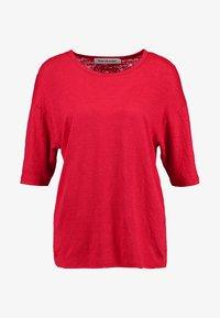Kings Of Indigo - BILLIE - T-shirt basic - lipstick red - 4