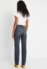 Kings Of Indigo - LUCY - Straight leg jeans - blue marble - 3