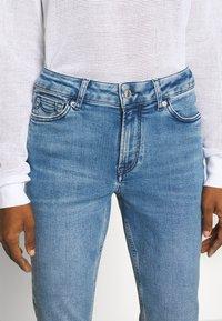 Kings Of Indigo - JUNO HIGH - Jeans Slim Fit - light-blue denim - 3