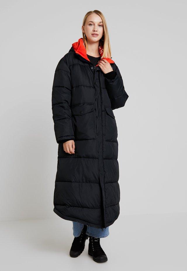 YASU - Zimní kabát - black