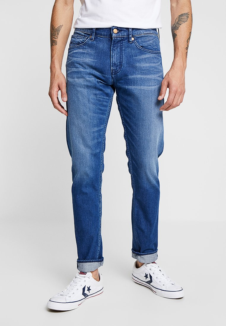 Kings Of Indigo - CHARLES - Slim fit jeans - mid blue
