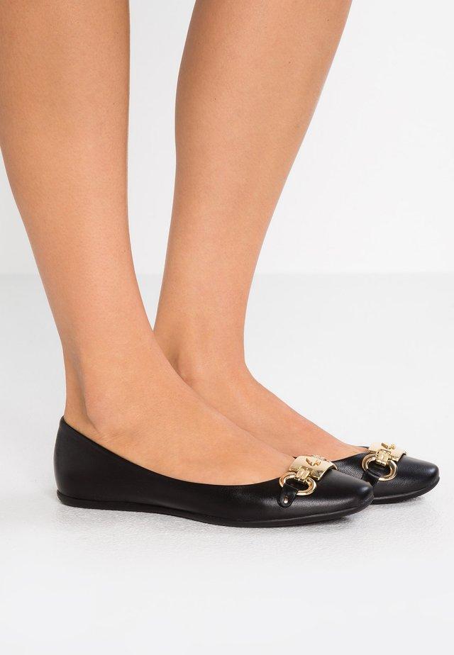 PHOEBE - Ballet pumps - black