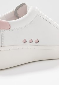 kate spade new york - CUPSOLE LACE UP - Sneakersy niskie - optic white/tutu pink