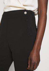kate spade new york - SCALLOP POCKET PANT - Pantaloni - black - 5